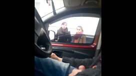 Jeunes mariés vieille grosse et cochonne baisée dans un taxi