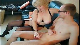 Femme rousse adulte parfois vieille cochonne se masturbe orgasme.