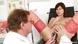Noir Médecin mesure la Pression d'une jeune Patiente et sexe vieille cochonne la baise anal