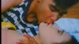 3 salopes sexe vieille cochonne sales baisent passionnément avec un jeune homme