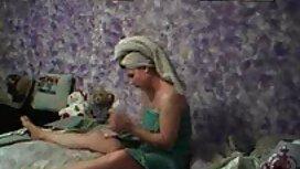 Jeune vieilles cochonnes francaises couple baise sur le canapé
