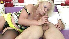 Russe femme vieille cochonne Femme pipe après le Travail
