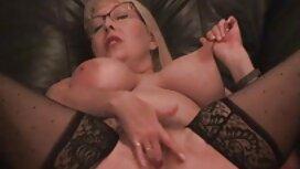 Galya Elastic fait vieille cochonne en chaleur une aspiration incomparable.