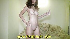 Black Sarah Banks glisse la chatte noire porno vieille cochonne sur la grosse bite blanche